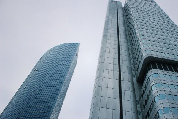skyscraper-1264948_1920